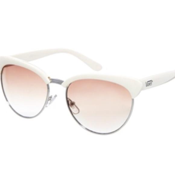 1c9b0b9957 Vans Semi-Rimless Cat Sunglasses Cream. M 5b9f06cbc9bf50ada1ab63a1